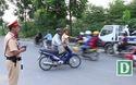 Hà Nội: CSGT xử lý hàng loạt xe máy đi vào đường ô tô trên đại lộ Thăng Long