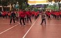 Clip nhảy flashmob đón Giáng sinh của 100 học sinh trường Lomonoxop