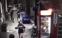 Video người đàn ông nghênh ngang cầm thủ cấp của vợ đi vứt trên một con phố nhỏ ở Quảng Châu.