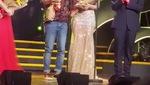 Đoạn video Trường Giang mang nhẫn lên sân khấu cầu hôn Nhã Phương