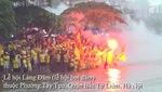 """"""" Thuỷ chiến"""" trong lễ hội đua thuyền làng Đăm trên sông Pheo"""