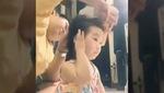 """Ông bố """"vĩ đại"""" cột tóc cho con gái siêu cute khiến chị em xuýt xoa"""