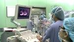 Phẫu thuật tim nội soi cho bệnh nhân.