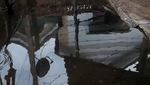 Nhiều người già đón Tết trong ngôi nhà xụp xệ ở ven biển Bến Tre.