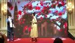 Clip: Hoàng Thuỳ hát tại Hoa hậu Hoàn vũ Việt Nam