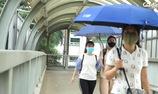 Người Hà Nội quay cuồng với nắng nóng đầu hè