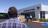 """Xem màn """"đập hộp"""" chiếc Lamborghini Centenario tại kinh đô sòng bạc Las Vegas"""