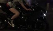 Xem nữ biker điều khiển Kawasaki Ninja H2 trên phố đi bộ Nguyễn Huệ