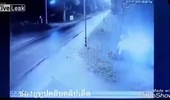 Ô tô mất lái trên đường trơn, đâm đổ tường của trường học khiến đôi nam nữ tử vong