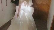 Váy cưới phát sáng trị giá 200 triệu của cô dâu Bến Tre