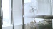 """MV """"Chuyện cũ của mẹ"""" do Phạm Hồng Phước thể hiện."""