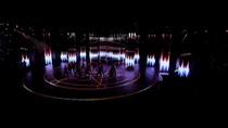 Ngọc Trinh với màn trình diễn bốc lửa tại Đêm hội chân dài 10