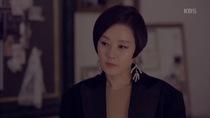 """""""Hắc kỵ sĩ"""" tập 3: Hae Ra dành ánh nhìn thiện cảm cho Soo Ho"""