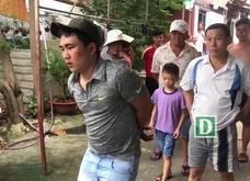Nhóm côn đồ cầm dao, hung khí xông vào khu dân cư tấn công người dân
