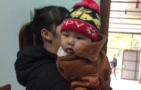 Cái Tết đầu tiên của bé trai sơ sinh nặng kỷ lục Việt Nam