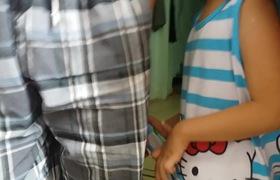 Chính quyền địa phương đến tận nhà xác minh vụ bé gái bị mẹ bắt quỳ và đăng lên mạng