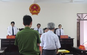 HĐXX chấp nhận sửa bản án sơ thẩm, tuyên phạt Thủy dâm ô trẻ em từ 3 năm tù giam xuống 18 tháng tù treo.