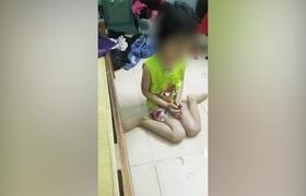 """Clip: Mẹ phát trực tiếp cảnh đánh con gái 4 tuổi chảy máu rồi nói lớn: """"3000 người sẽ xem clip này"""". Nguồn Facebook"""