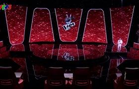 """""""Giọng hát Việt nhí"""": """"Thiên thần nhí"""" Gia Hân khiến khán giả """"rụng tim"""" với ca khúc """"La Vie En Rose"""" phiên bản tiếng Anh và Pháp"""