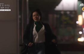 """Teaser tập 9 """"Chị đẹp mua cơm ngon cho tôi"""": Jin Ah nhào vào thang máy ôm hôn Joon Hee tới tấp"""