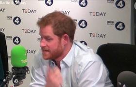 Clip: Hoàng tử Harry trả lời phỏng vấn của BBC về danh sách khách mời đám cưới