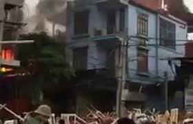 Hà Nội: Cháy xưởng gỗ tại Thạch Thất, thiệt hại hàng trăm triệu đồng