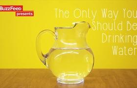 Uống nước Detox mát lạnh hơn với chanh, dưa leo và lá bạc hà