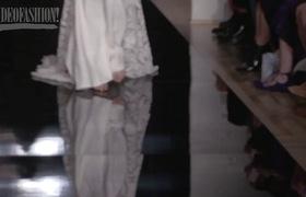 Ngắm BST váy cưới Reem Acra cho mùa Xuân Hạ 2016