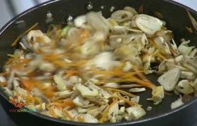 """Món """"Củ cải hấp cuộn nấm"""" thơm ngon bổ dưỡng"""