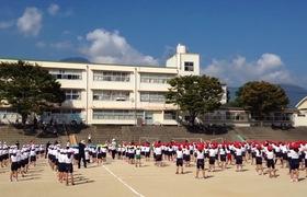 Thể dục buổi sáng ở các trường học Nhật