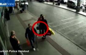 Thổ Nhĩ Kỳ: Mẹ rao bán con 4 tháng tại sân bay gây phẫn nộ