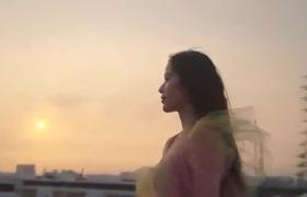 """Hoa khôi Nam Em đẹp tinh khôi trong MV mới """"Cùng anh đi xa"""""""