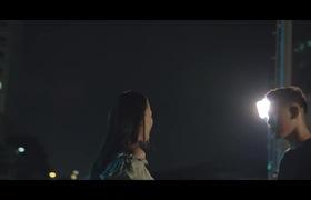 """MV """"Muốn đi đâu xa gặp ai đó"""": Đại Nhân tình tứ ôm hôn Thụy Anh"""