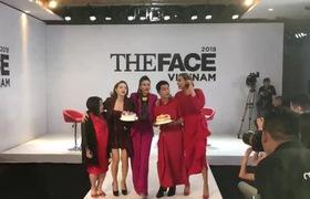 """""""The Face 2018"""": Thanh Hằng - Minh Hằng - Võ Hoàng Yến nhún nhảy mừng sinh nhật Nam Trung"""
