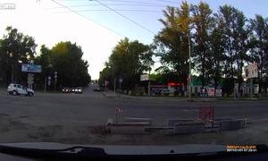 Biker chạy mô tô với tốc độ kinh hoàng, đâm vào xe SUV và tử vong tại chỗ