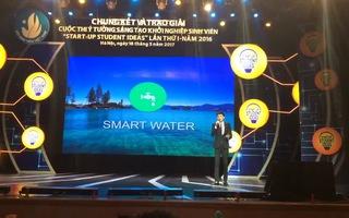 Trưởng nhóm Dương Quang Đạt trình bày ý tưởng đoạt Giải nhất cuộc thi khởi nghiệp sinh viên