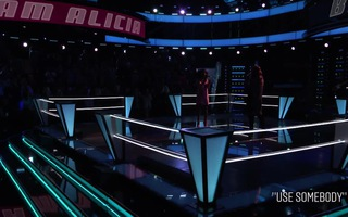 "The Voice US: ""Use Somebody"" - Shana vs. Christiana"