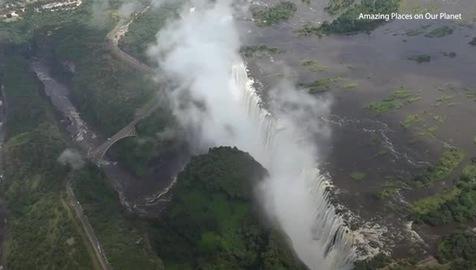5 thác nước nguy hiểm trên thế giới