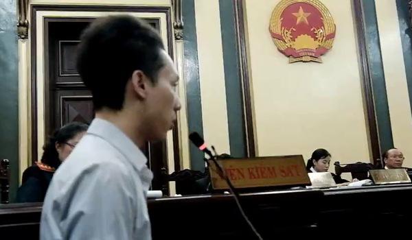 Lữ Minh Nghĩa và bạn gái đối chất căng thẳng với Nguyễn Mai Phương tại tòa