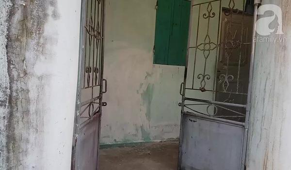 Hiện trường căn phòng thuê trọ nơi người phụ nữ thuê xe ôm về nhà để thực hiện hành vi cướp của