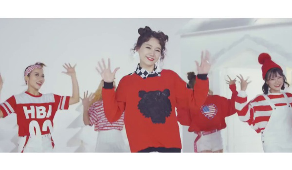 "MV ""Happy Christmas"" - Hari Won."