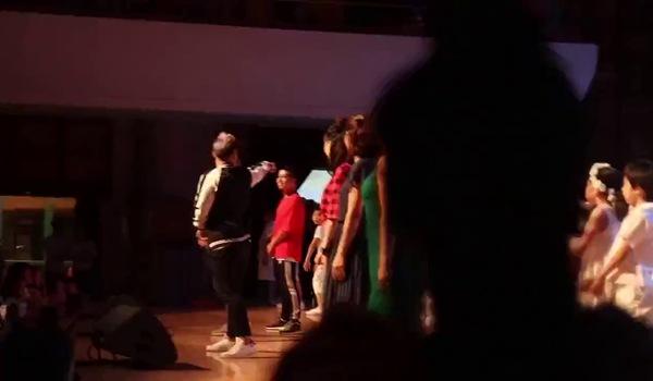 Nghệ sĩ Xuân Bắc đến ủng hộ đêm Gala của ca sĩ Mỹ Linh và các học trò nhỏ