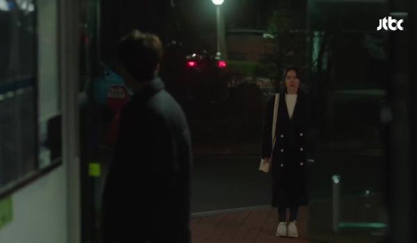 """Tập 7 """"Chị đẹp mua cơm ngon cho tôi"""": Joon Hee ân cần ôm lấy Jin Ah an ủi"""