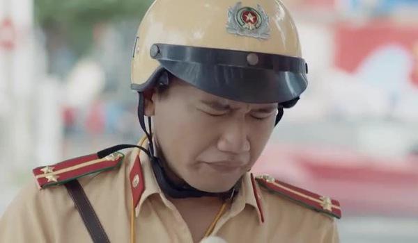 """Đoạn trích phim """"Ngày ấy mình đã yêu"""" với sự xuất hiện của anh cảnh sát giao thông Anh Đức gây bão mạng"""