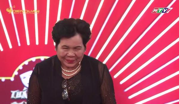 Thách thức danh hài: Cô bán chè nhận giải thưởng 100 triệu đồng