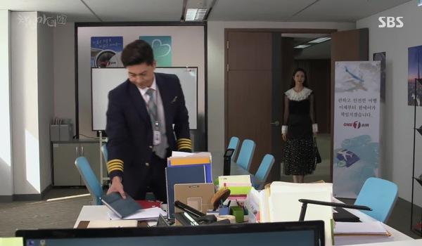 """""""Good Witch"""" tập 29-32: Woo Jin """"không cảm xúc"""" khi được Do Hee hôn"""