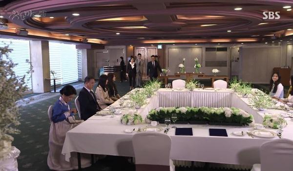 """""""Good Witch"""" tập 29 - 32: Woo Jin bất ngờ buông tay Do Hee trong tiệc đính hôn"""