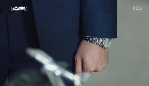 """""""Suits - Đấu trí"""" tập 2: Yeon Woo vừa thuyết phục vừa... đe dọa Choi Kang Seok cho mình vào làm việc"""