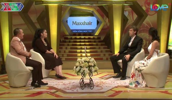 """Cuộc trò chuyện với cặp vợ Việt chồng Tây siêu dễ thương trong chương trình """"Vợ chồng son"""" số 213"""
