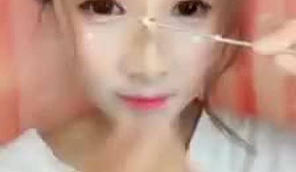 Clip nâng mũi khi make up